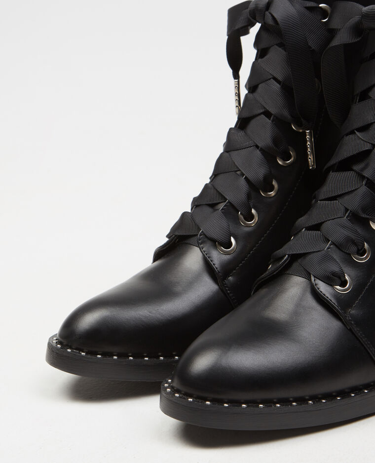 Bottines rock lacets ruban noir