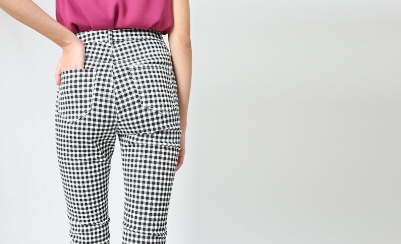 Pantalon skinny vichy gris