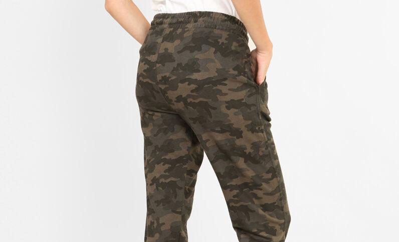 Jogging camouflage vert