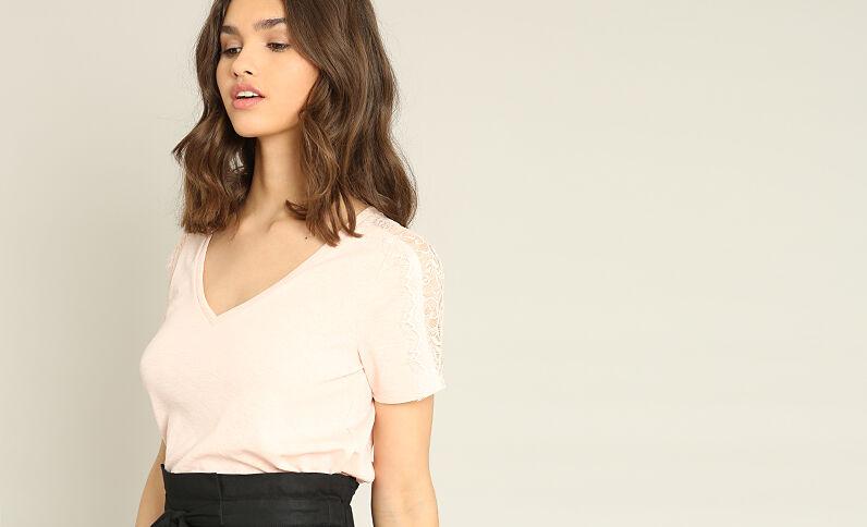 T-shirt dentelle rose