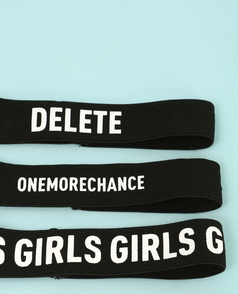 Colliers chokers messages gris