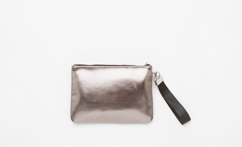 Pochette plate en simili cuir gris