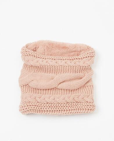 Col tricot et fausse fourrure rose