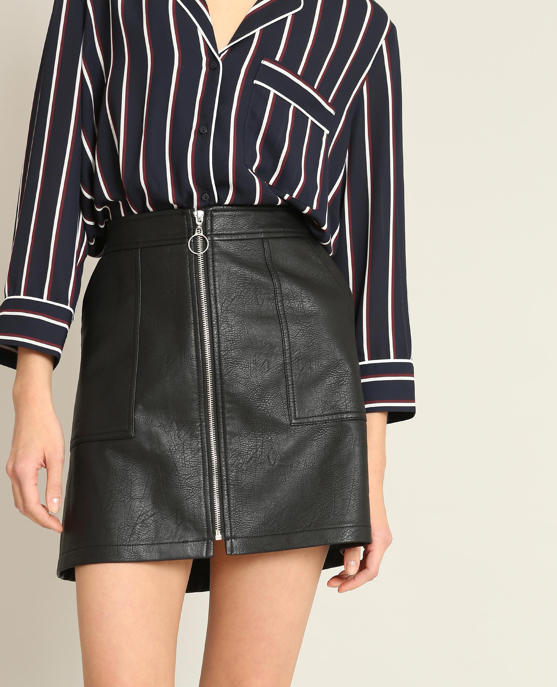 jupe en faux cuir zipp e noir 690465899a08 pimkie. Black Bedroom Furniture Sets. Home Design Ideas