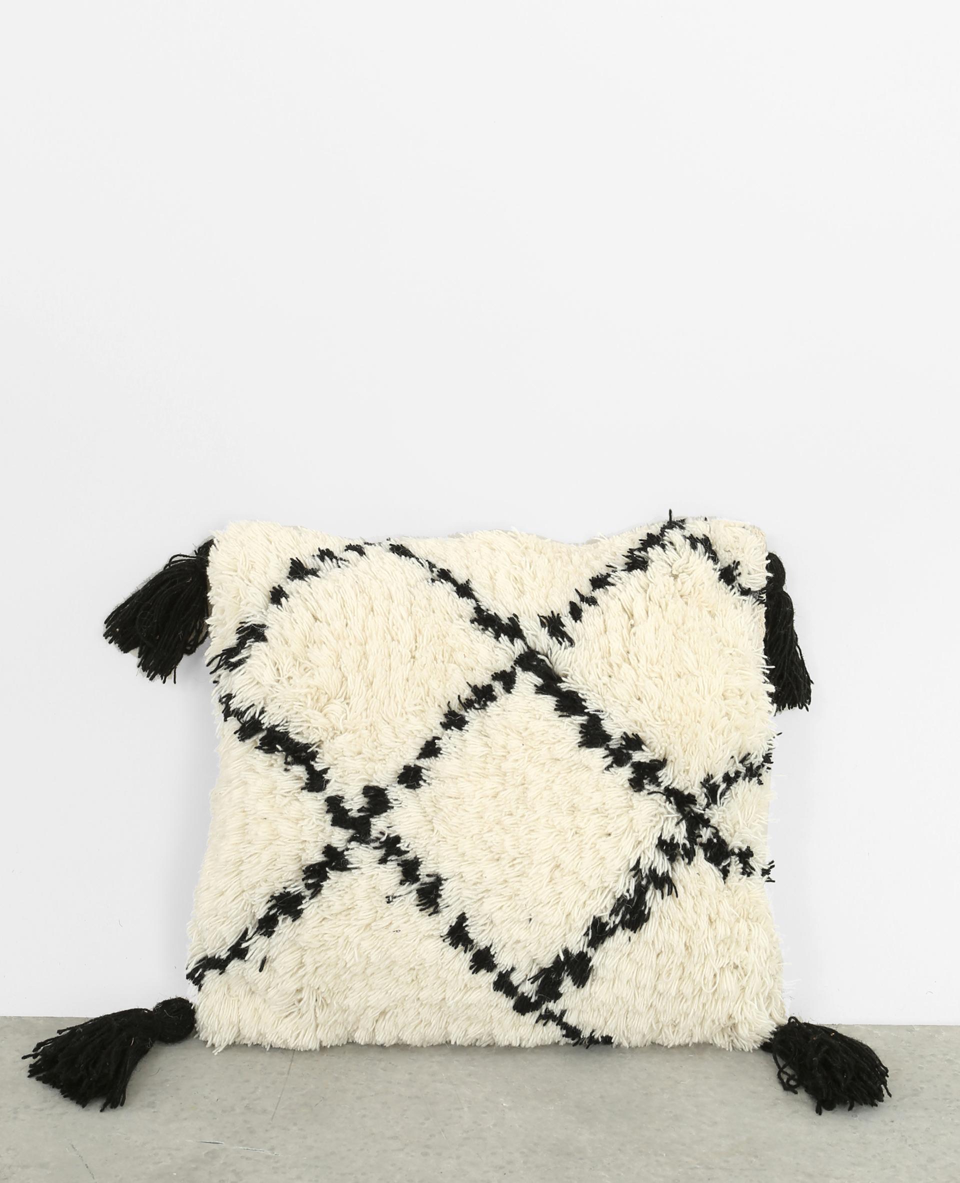 housse de coussin berb re blanc cass 904644912i09 pimkie. Black Bedroom Furniture Sets. Home Design Ideas