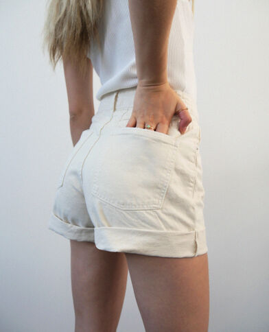 Short en jean destroy écru
