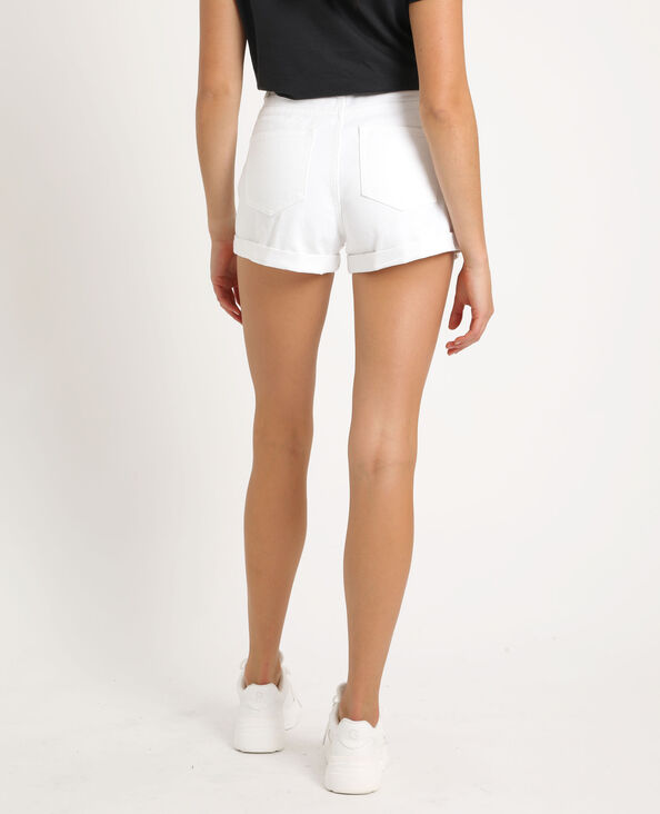 9757abcb13 Short en jean mom blanc
