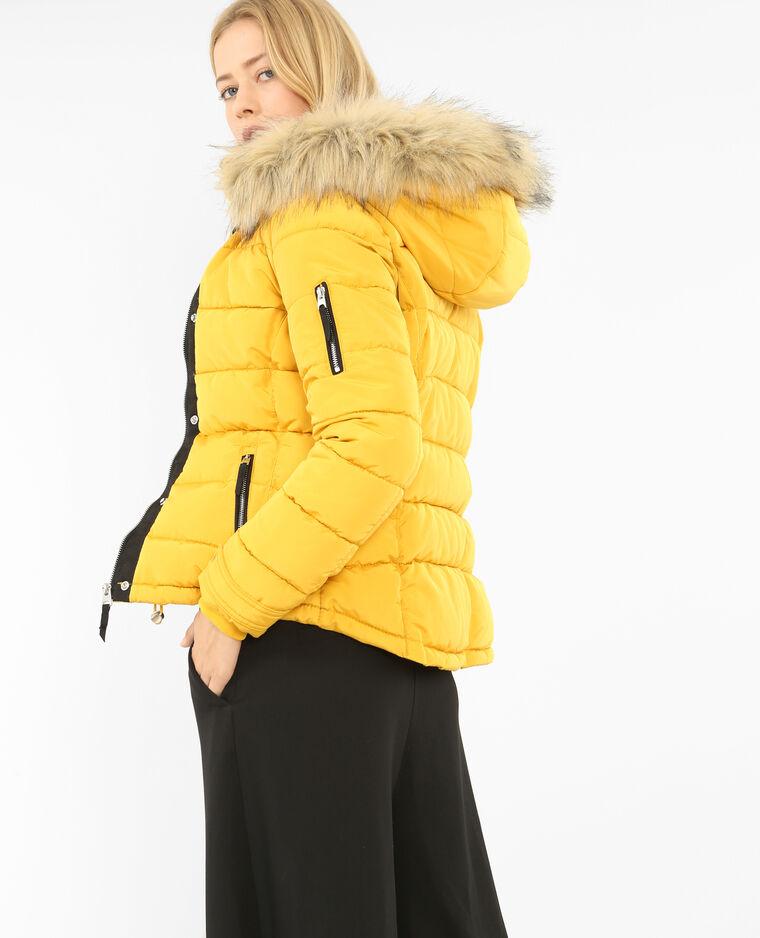 d365348c77bb Doudoune à capuche jaune  Doudoune à capuche jaune