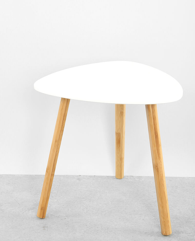 Petite table 3 pieds blanc cassé