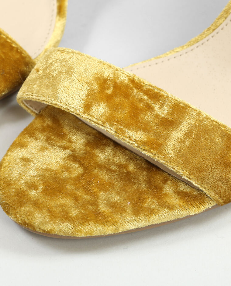 Sandales effet velours moutarde