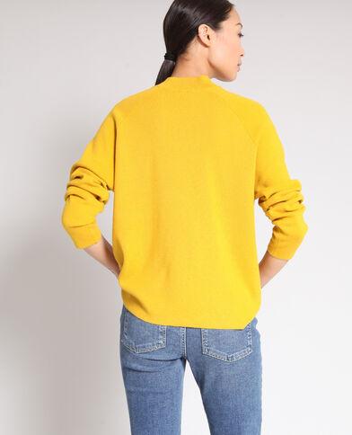 Pull à col montant jaune
