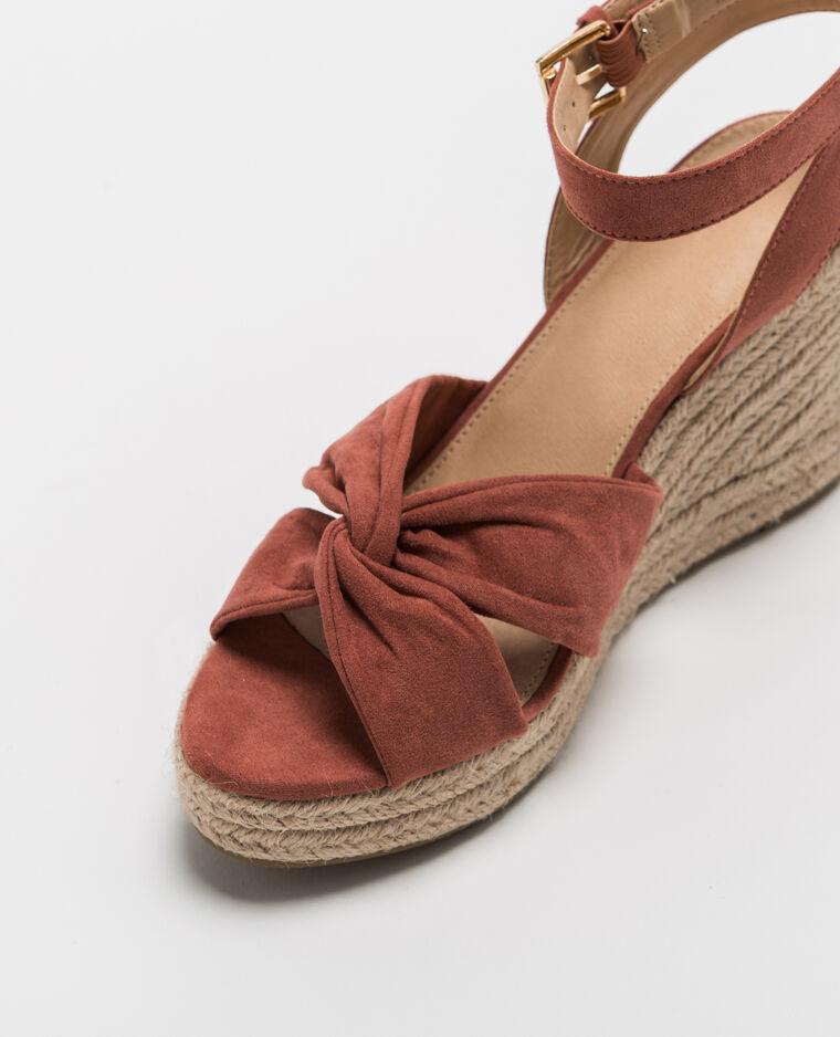 Sandales compensées en paille rose poudré