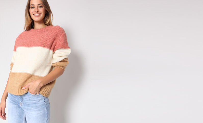 Pull à rayures rose