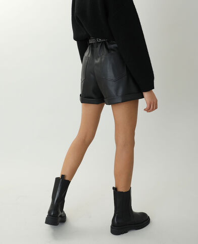 Short en simili cuir noir