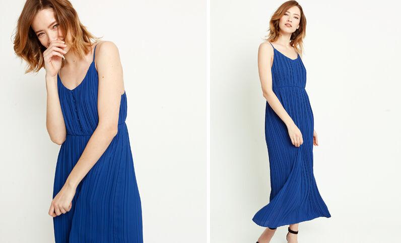 1643d6cd231e2 Robe longue plissée bleu brut