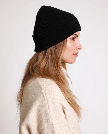 bonnet femme noir sans pompon