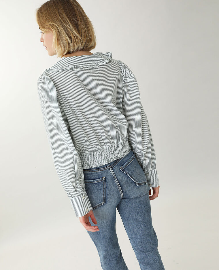 Chemise à grand col blanc