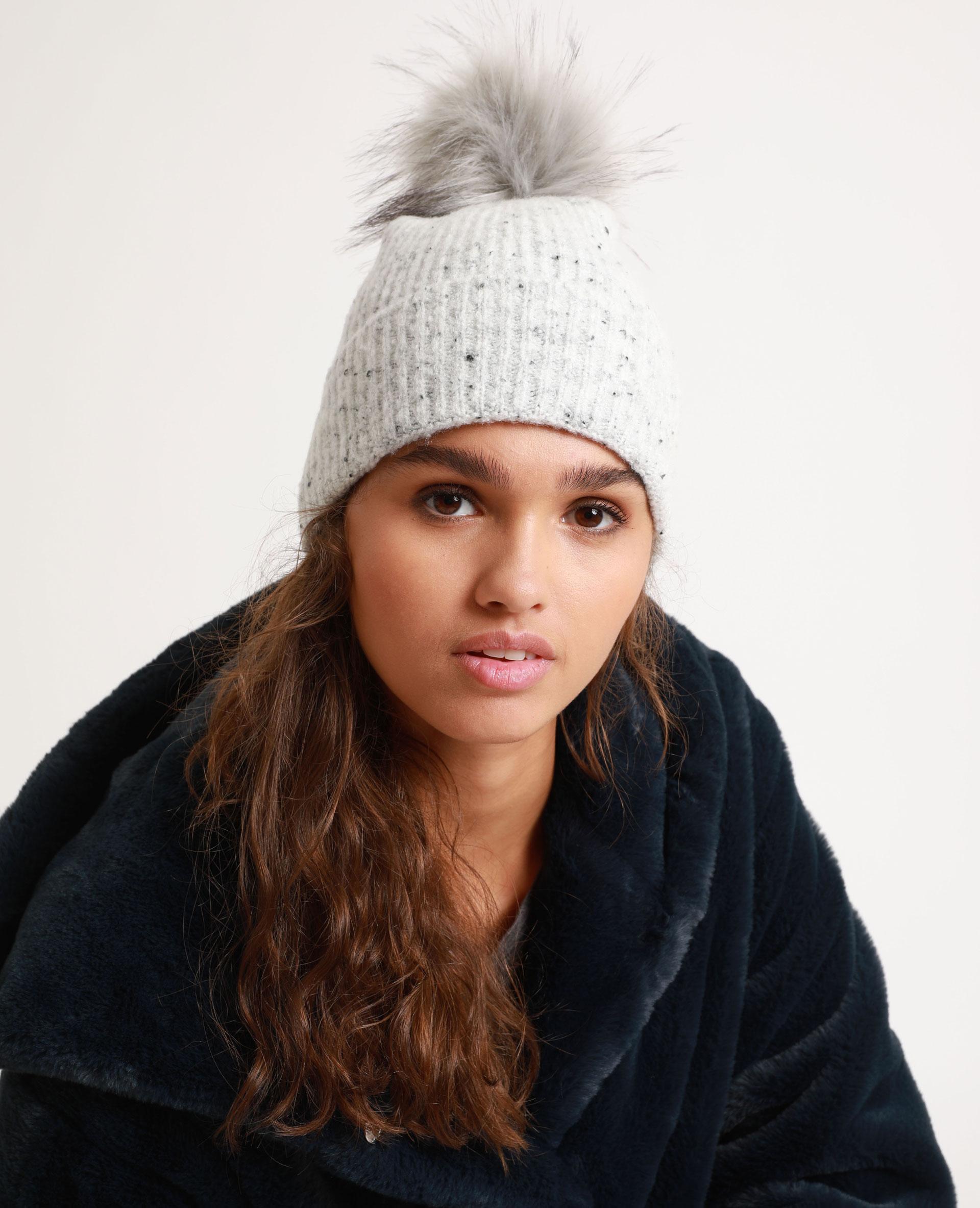Bonnet à pompon gris - Pimkie