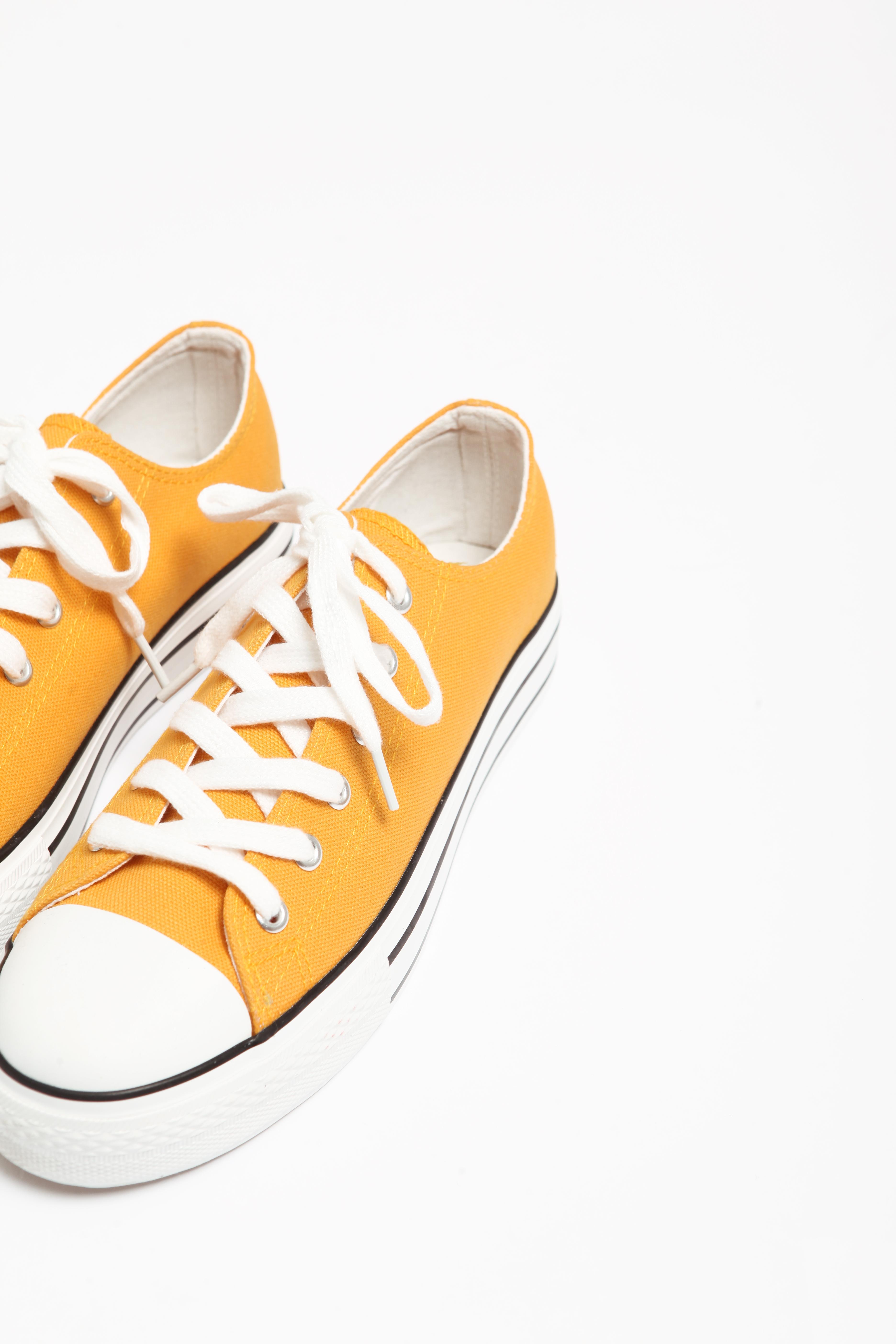 Baskets en toile jaune - Pimkie