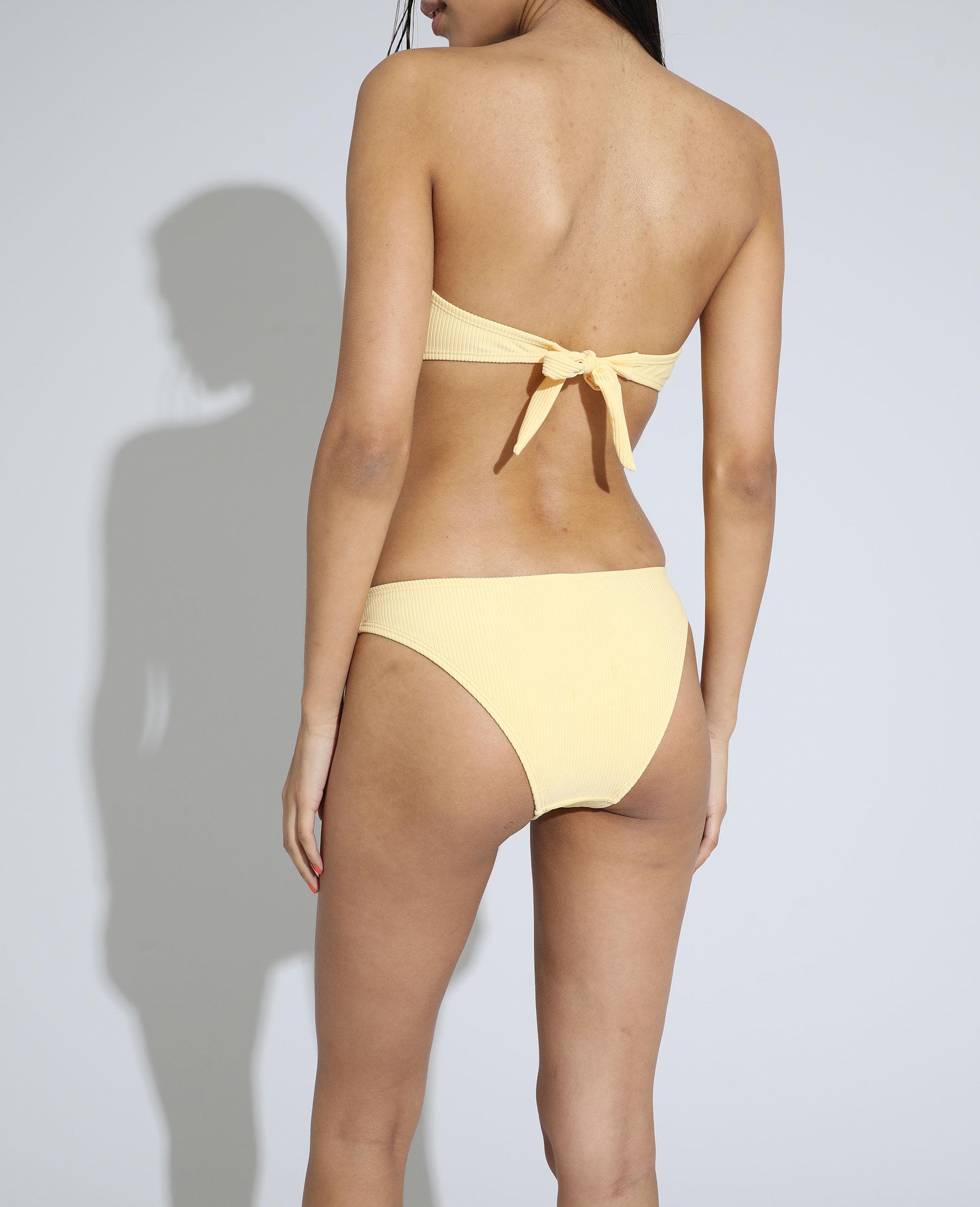 Bas de maillot de bain culotte côtelé jaune pâle - Pimkie