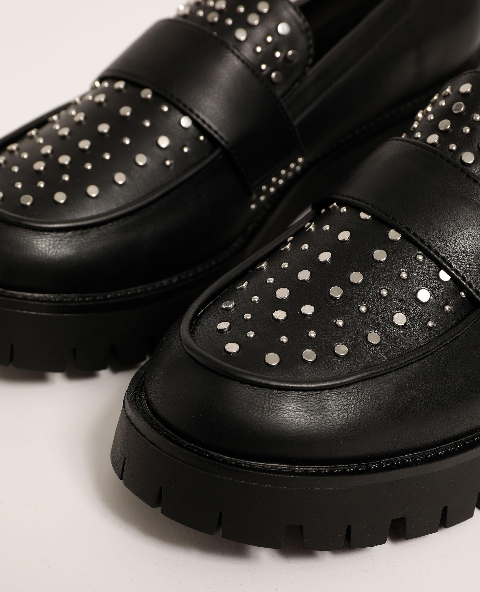 Mocassins à talons en simili cuir cloutés noir - Pimkie