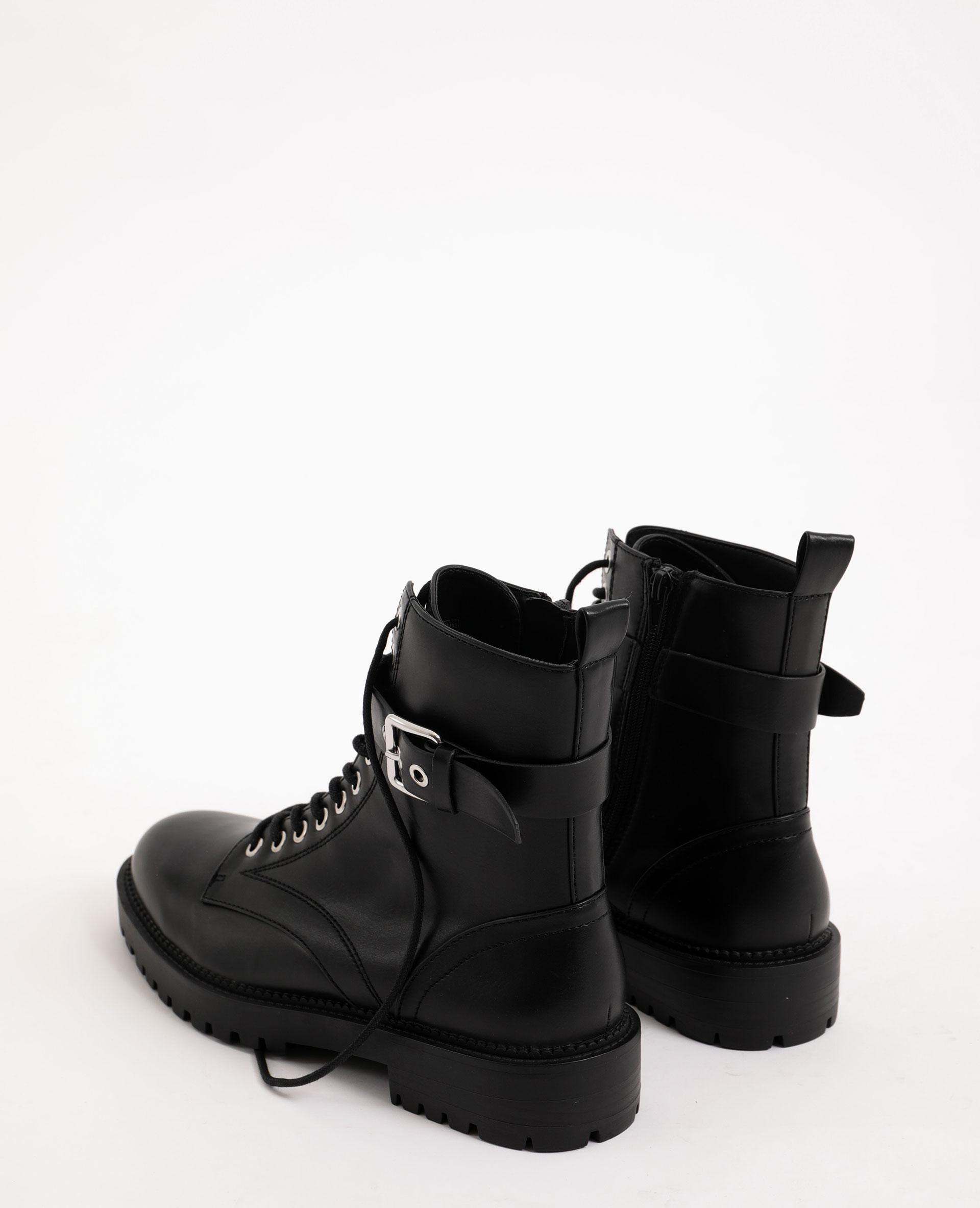 Boots en faux cuir noir - Pimkie