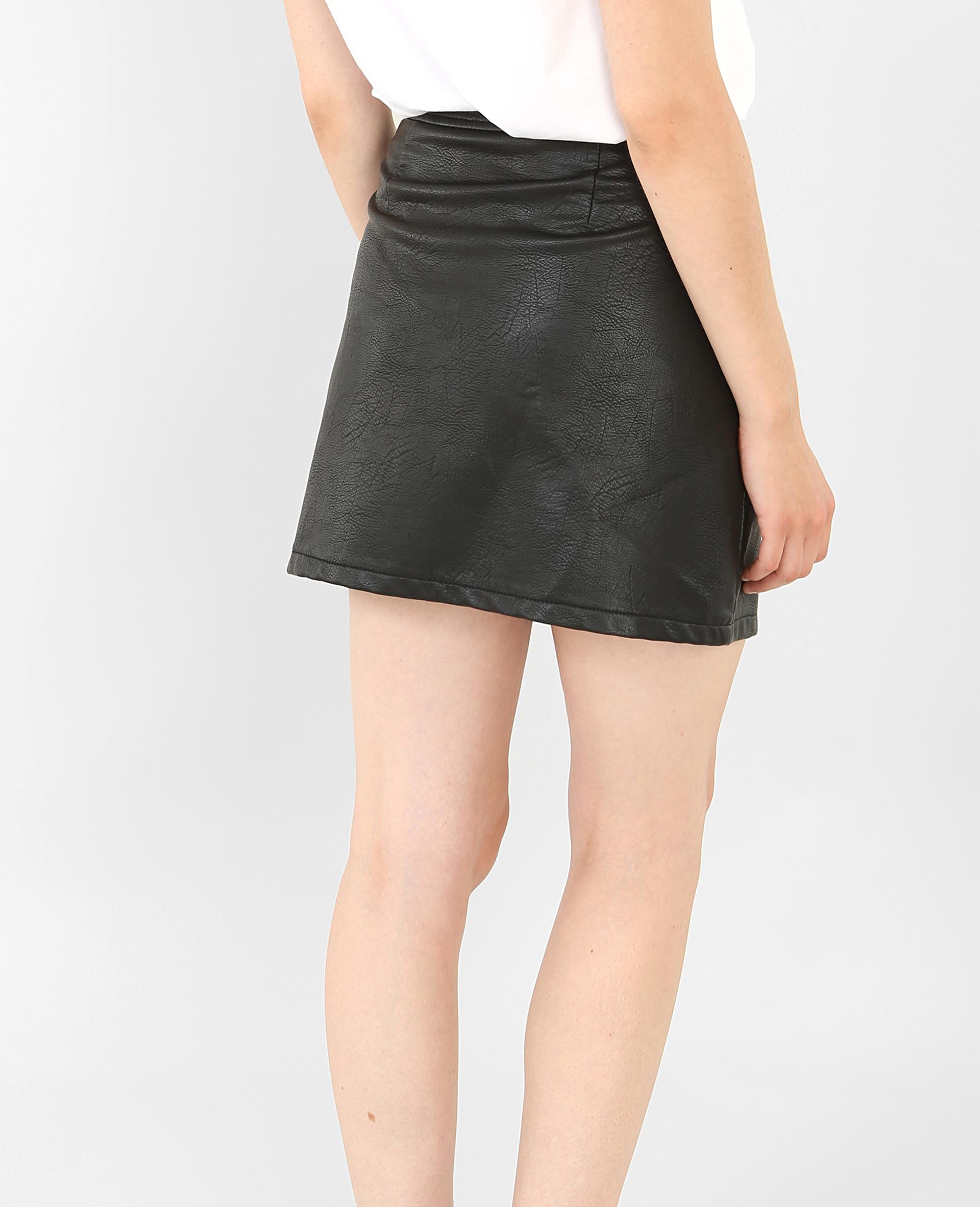 Mini jupe en similicuir noir - Pimkie