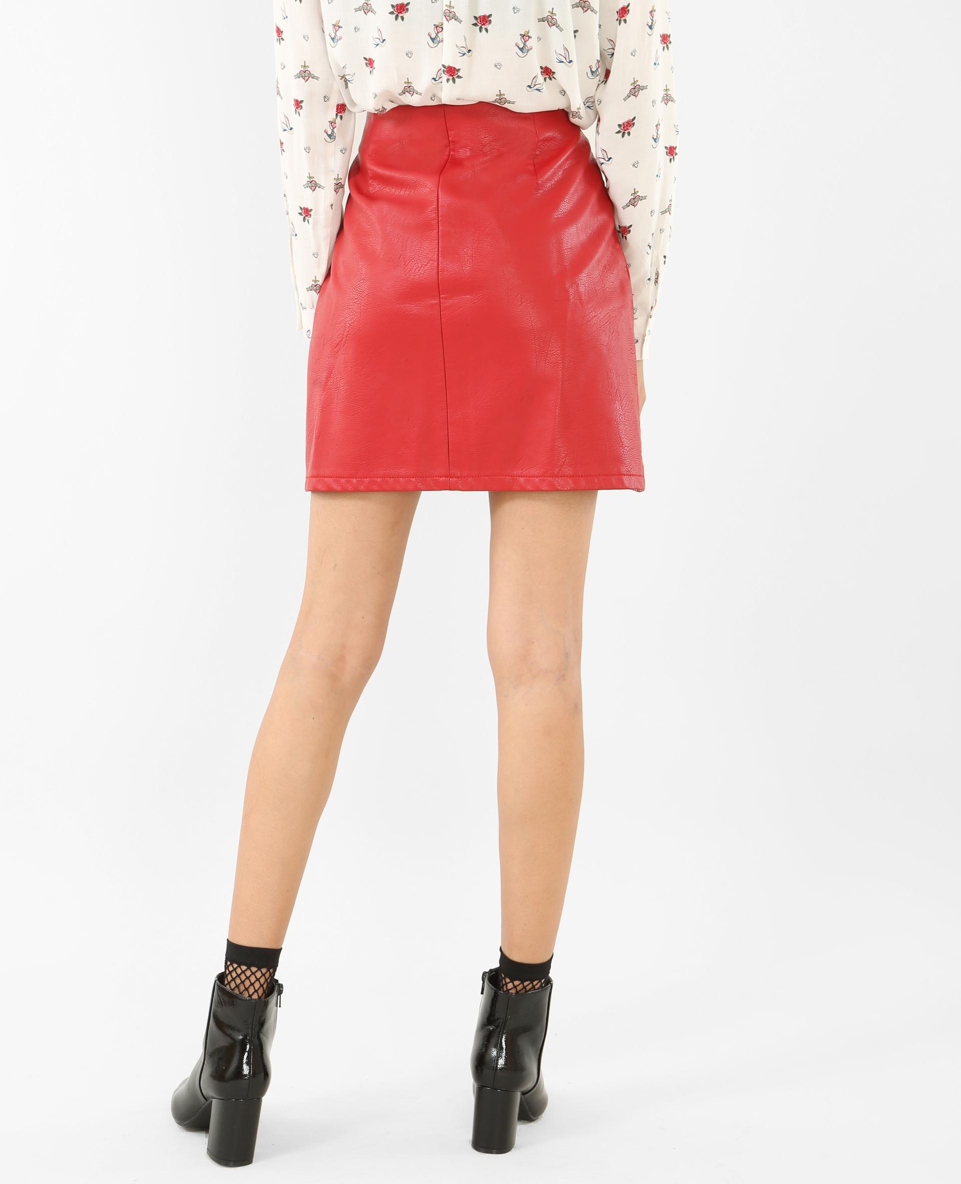 Mini jupe en simili cuir rouge - Pimkie