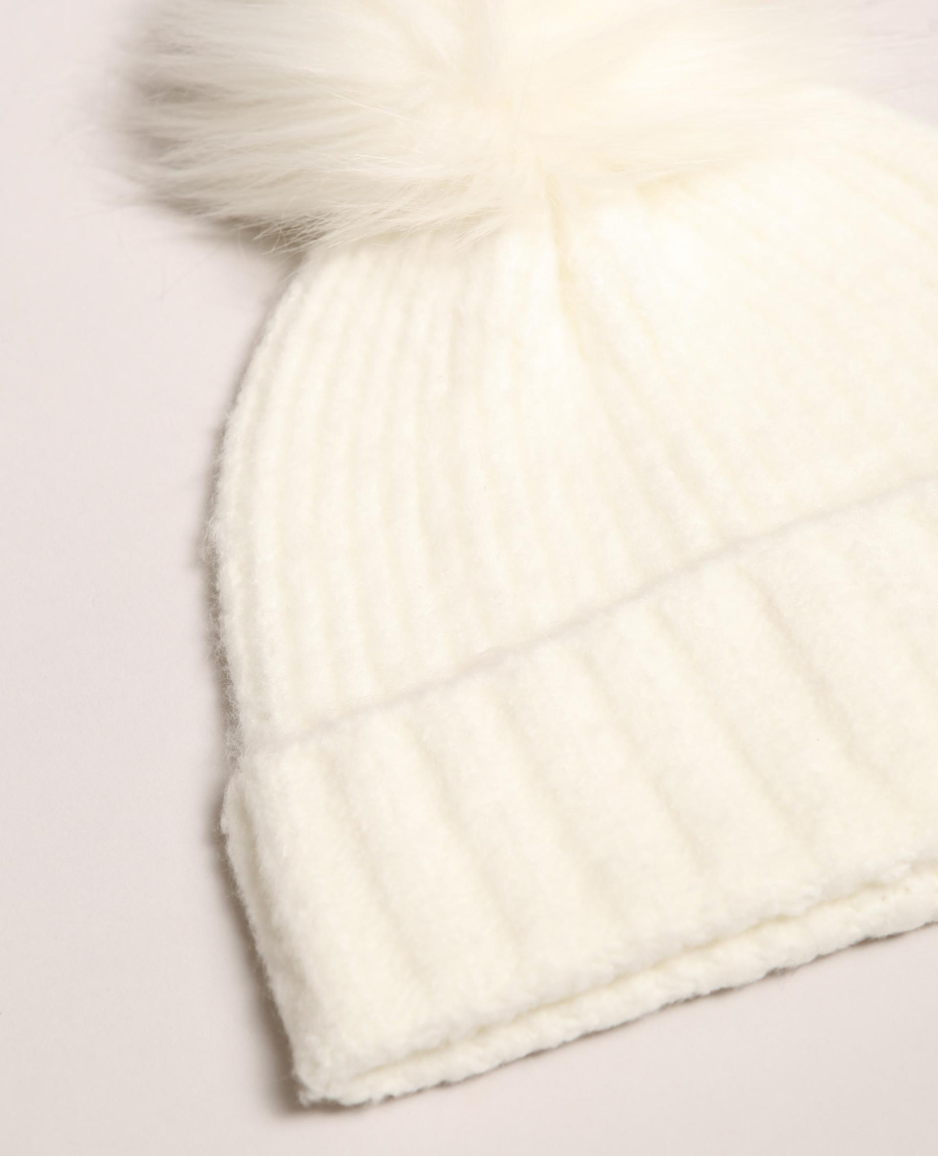 Bonnet à pompon blanc cassé - Pimkie